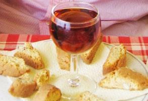 vino dulce servido en postre